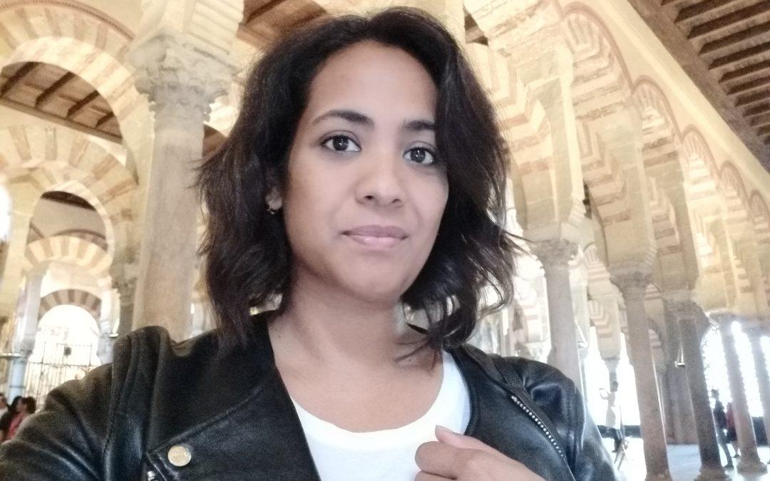 Mayra, ganadora de una beca de 100% para el boot camp de programación
